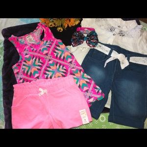 Girl tops/shorts size 5 FREE gift with $20+ purcha